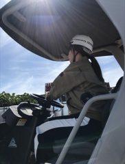 空調服とホイールローダー(斜め後ろ)②(加)